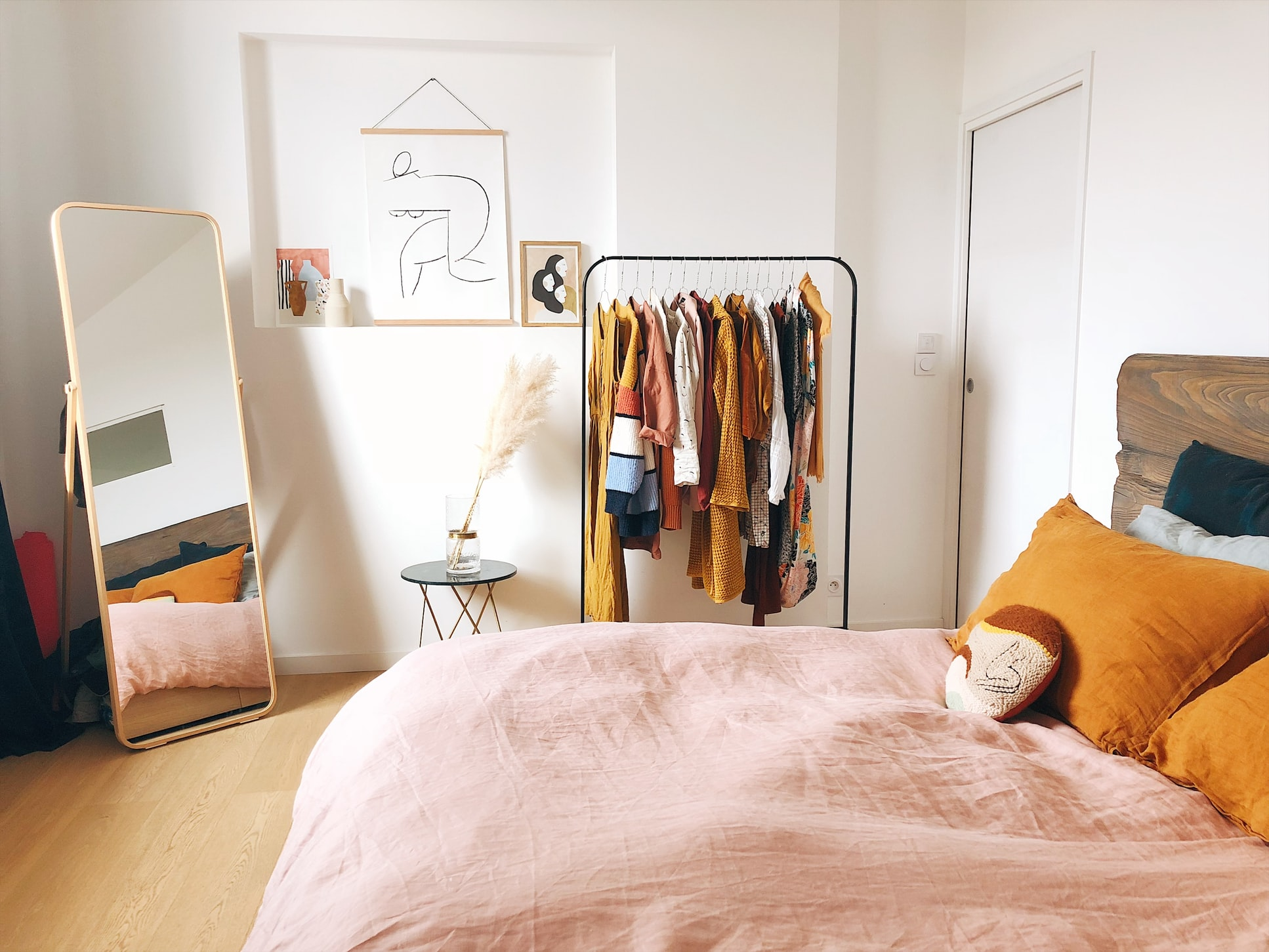Things Every Comfy Bedroom Needs | Uptown Locators on Comfy Bedroom  id=60886